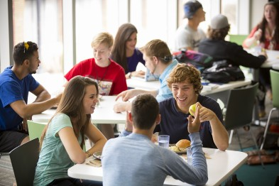 Students enjoying lunch in Hamilton Commons.