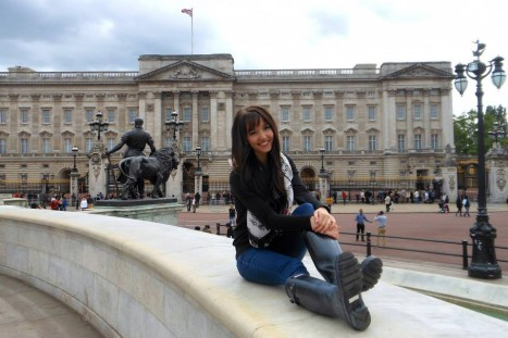 COM student Cierra Sutherland in England during a Spring Term