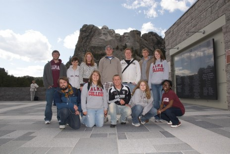 Performing Advocacy students (with Dr. Joanne Gilbert) at Mt. Rushmore in South Dakota