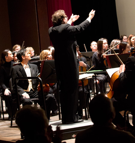 Murray Gross directs the Alma Symphony Orchestra.