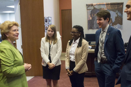 <em>Sen. Debbie Stabenow with her interns. Jessica Isler is second from left.</em>