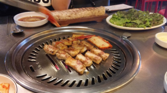 Reanna's blog is full of food photos - this is Korean barbecue!